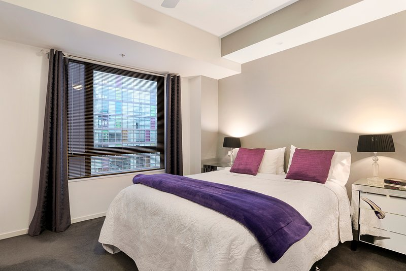 Southbank Melbourne - Location! Location! Walking distance to everything - Image 1 - Melbourne - rentals