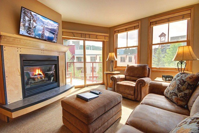 The Living Room with Full Sleeper Sofa, Gas Fireplace, Flatscreen TV & Balcony - Near Lifts, Heated Pool, Hot Tubs, Balcony, WiFi - Keystone - rentals
