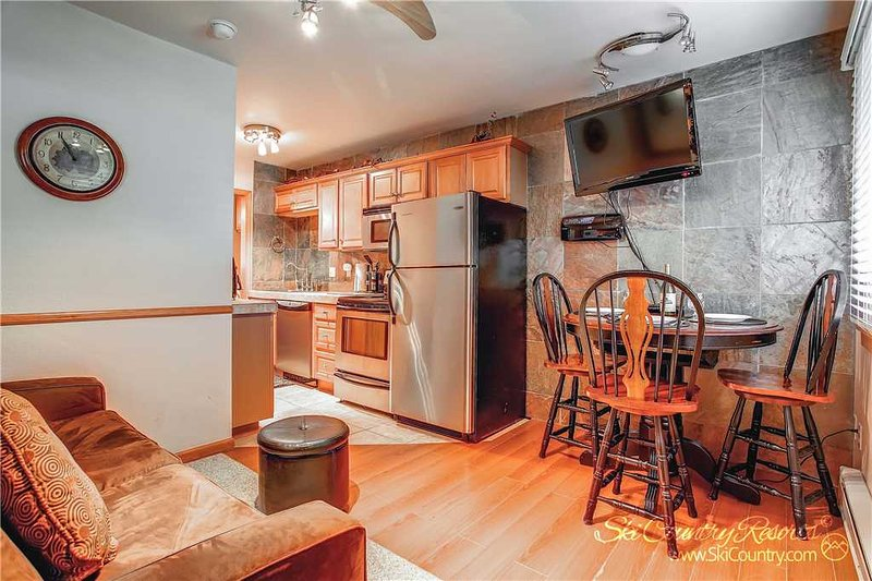 Park Meadows Lodge 6A by Ski Country Resorts - Image 1 - Breckenridge - rentals