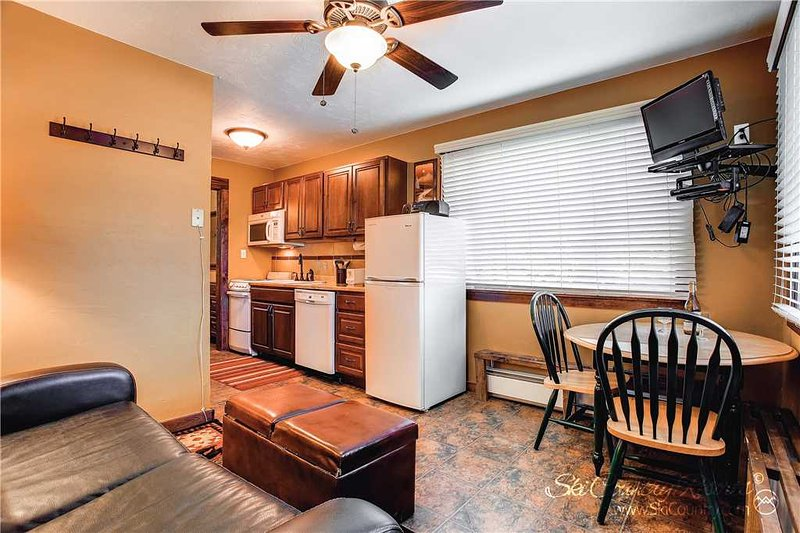 Park Meadows Lodge 8A by Ski Country Resorts - Image 1 - Breckenridge - rentals