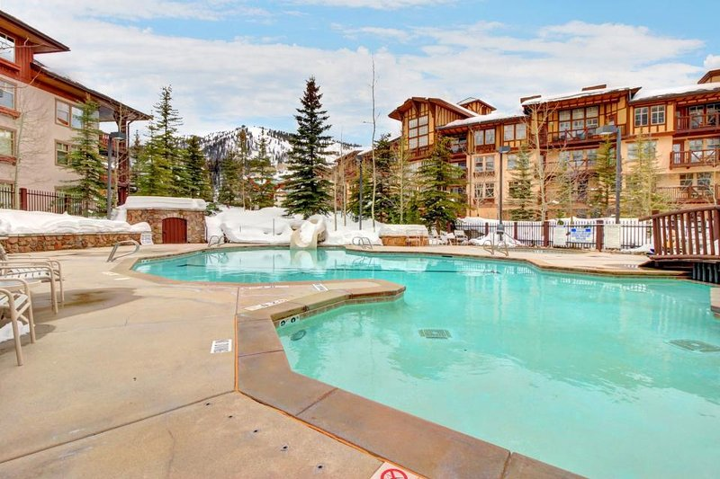 Stylish ski-in/ski-out condo w/ shared hot tub & pool + access to Club Solitude! - Image 1 - Solitude - rentals