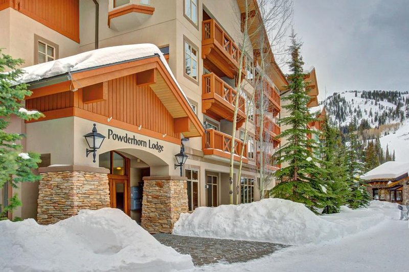 Welcoming ski-in/ski-out condo w/shared hot tub & pool & Club Solitude access - Image 1 - Solitude - rentals