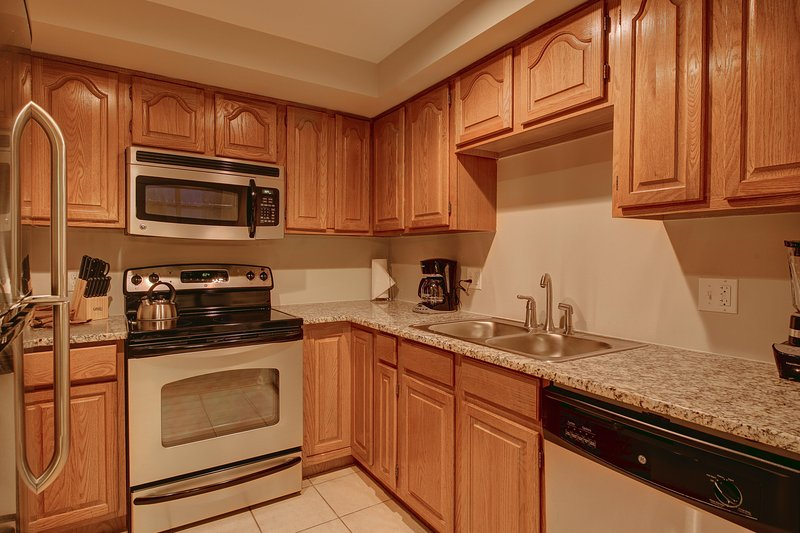 Stay Alfred Denver Vacation Rental Kitchen - Charming Arapahoe Street Apartment by Stay Alfred - Denver - rentals