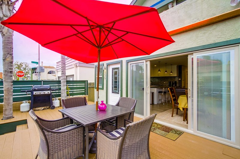 South facing private patio with BBQ - SANLUISREY806 - Mission Beach - rentals
