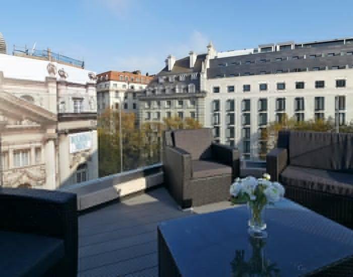 Crisp 3 Bedroom Penthouse in Covent Garden - Image 1 - London - rentals
