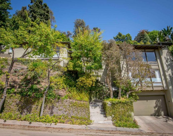 Unique 4 Bedroom Home in Hollywood Hills - Image 1 - Los Angeles - rentals