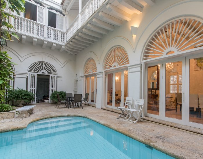 Splendid 5 Bedroom Villa  with shared pool  in Old Town - Image 1 - Cartagena - rentals
