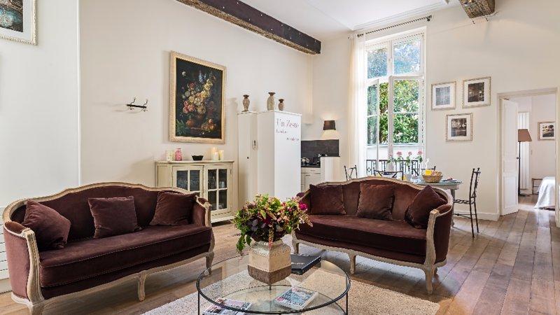 Elegant 2 Bedroom Apartment in Le Marais - Image 1 - Paris - rentals
