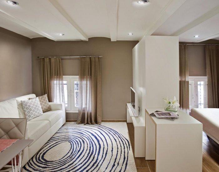 Barcelona - Mila Sol - Living Room - Modest Studio Apartment in Gracia - Barcelona - rentals