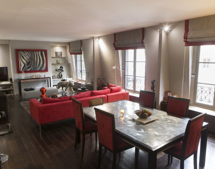Luxurious 1 Bedroom Apartment in Champs Elysees - Image 1 - Paris - rentals