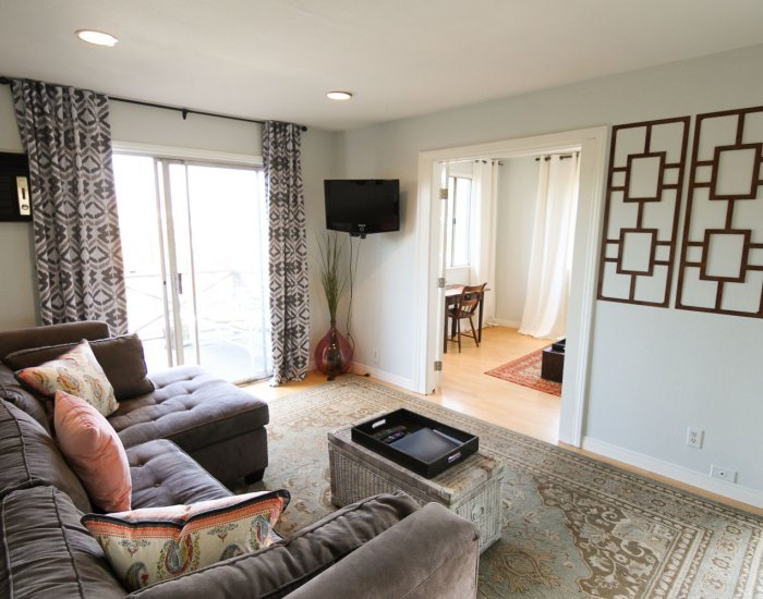 Charming 1 Bedroom Plus Den in Silver Lake - Image 1 - Los Angeles - rentals