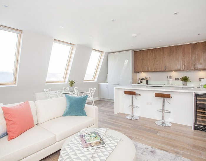 Bright & Comfortable 2 Bedroom Apartment in Notting Hill - Image 1 - London - rentals