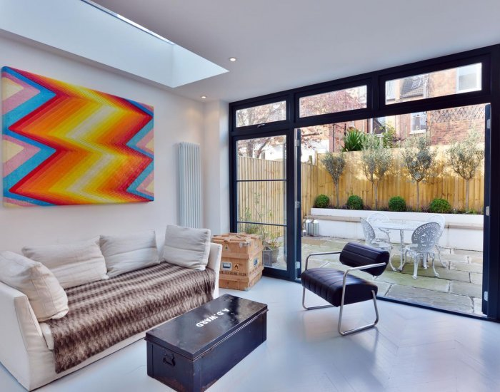 Beautifully Designed 2 Bedroom Apartment in West London - Image 1 - London - rentals