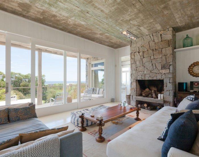 Outstanding 3 Bedroom Beach House in La Boyita, one of the most exclusive spots in Punta del Este - Image 1 - Manantiales - rentals