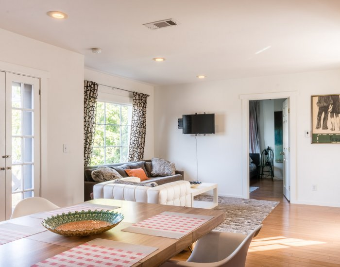 Bright 1 Bedroom Apartment in Silver Lake - Image 1 - Los Angeles - rentals