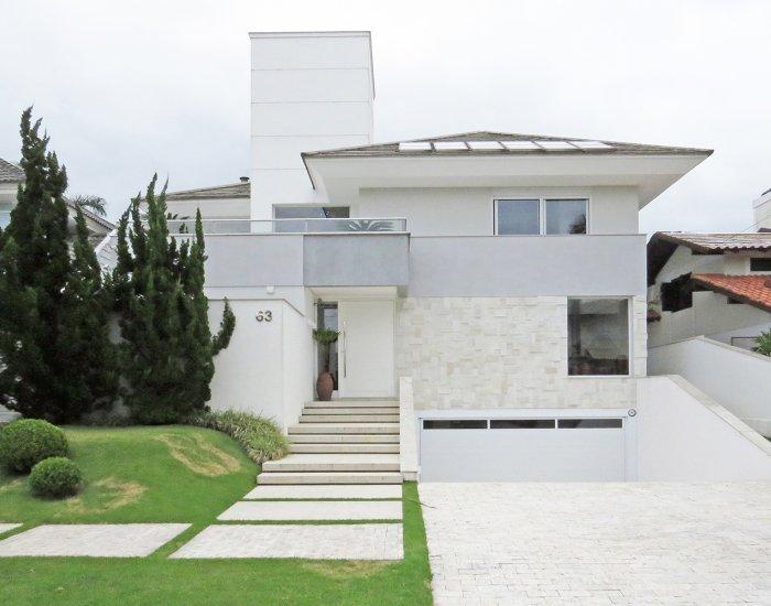 Suave 7 Bedroom House in  Jurerê Internacional - Image 1 - Florianopolis - rentals