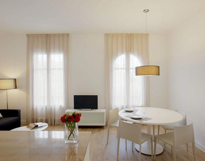 Minimalist 3 Bedroom Apartment in Eixample - Image 1 - Barcelona - rentals
