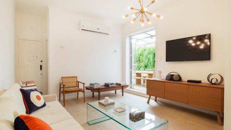 Chic 2 Bedroom Apartment Nestled in Leblon - Image 1 - Rio de Janeiro - rentals