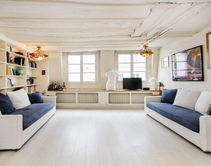 Charming 1 Bedroom Apartment in Le Marais - Image 1 - Paris - rentals