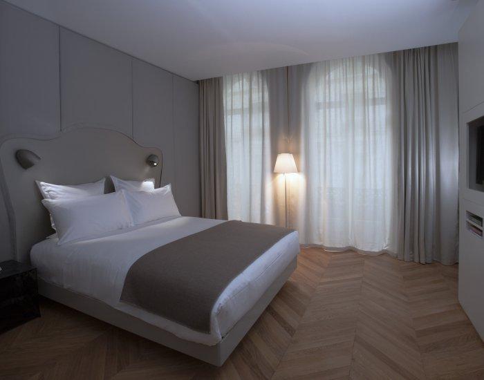 Minimal Studio Apartment Close to Opera - Image 1 - Paris - rentals