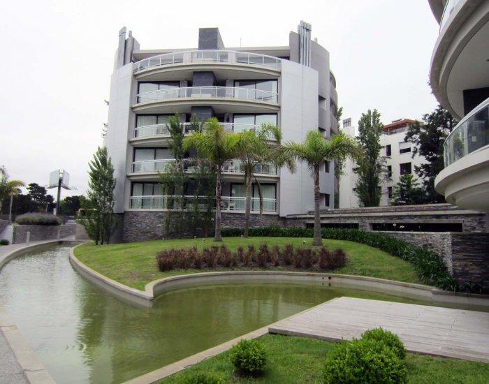Homey 2 Bedroom Apartment in Carrasco - Image 1 - Montevideo - rentals