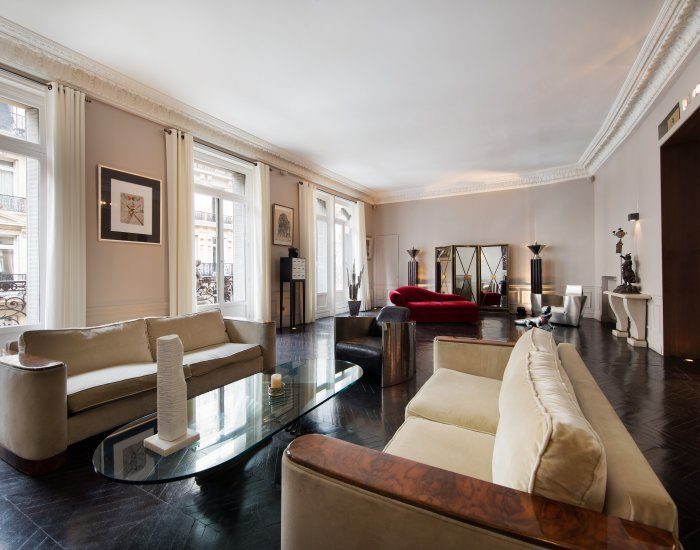 Luxury 2 Bedroom Apartment Along Champs Elysées - Image 1 - Paris - rentals