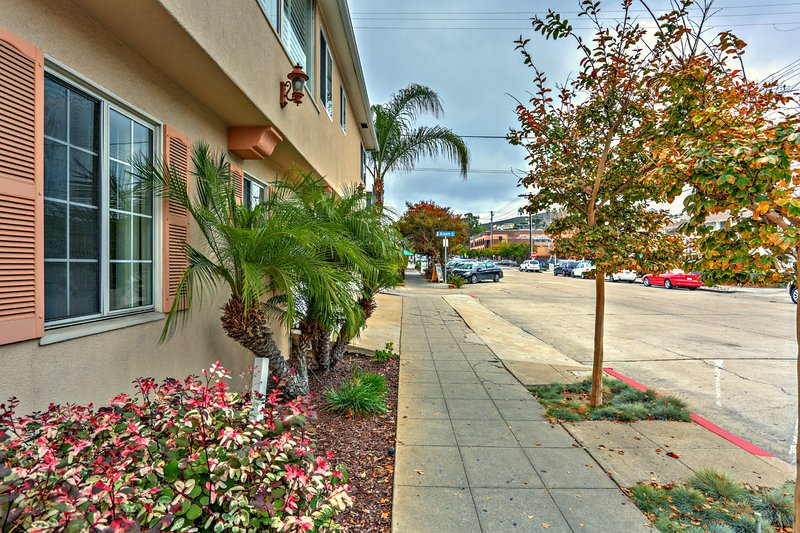 Diamond in La Jolla Village - Apartment w/Garage. - Image 1 - La Jolla - rentals