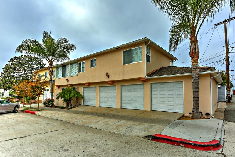 Blue Topaz - in heart of Village - walk to shops - Image 1 - La Jolla - rentals