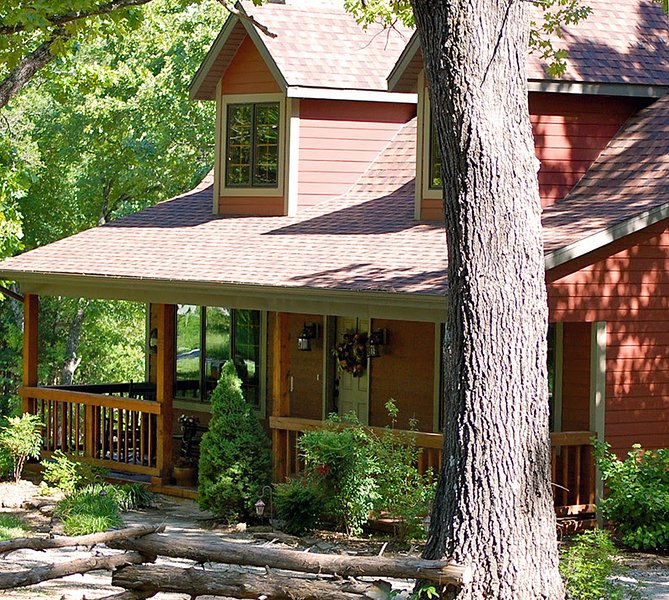 Secluded Woodsong Cottage!!! 2 br with a hot tub!  Foosball Table! In Woods - Image 1 - Branson - rentals