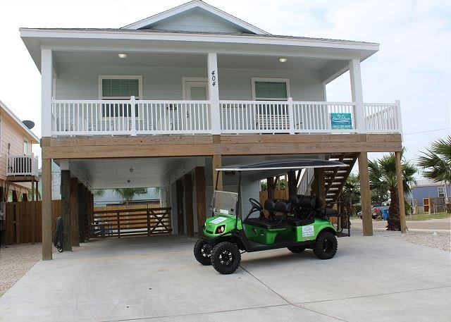 *FREE GOLF CART FOR SHORT TERM RENTALS! - Bikini's & Martini's: Private Pool, *Golf Cart, Shuffle Board, Ice Maker - Port Aransas - rentals