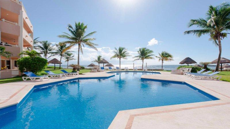 Riviera Maya Haciendas, Alta Vista - Beachside  Swimming Pool And Terrace - Riviera Maya Haciendas - Alta Vista Ocean View - Puerto Aventuras - rentals