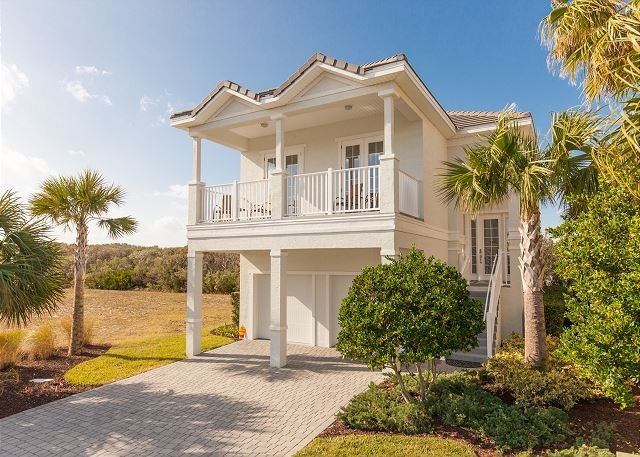 Gorgeous Golf and Lake View Home at Cinnamon Beach! Short walk to the beach! - Image 1 - Palm Coast - rentals