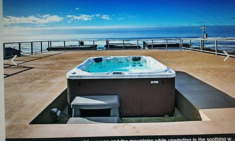 laying on hot tub, enjoy ocean view, night stars, and mountains, rivers , and so on - rooftop , amazing ocean front view - Rockaway Beach - rentals