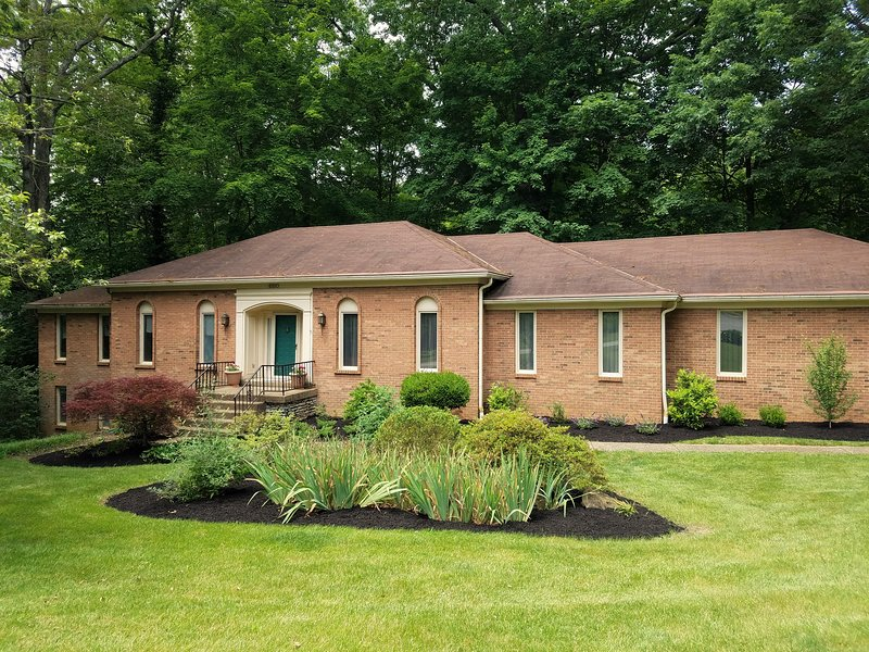 Spacious vacation rental home in Louisville, KY! - Awesome home in the heart of Bluegrass Country! - Louisville - rentals