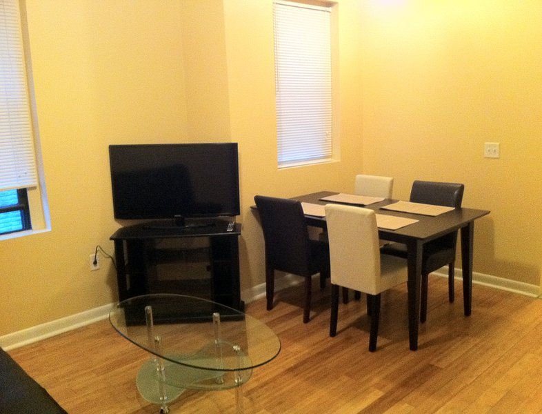 Modern NYC 2 Bed. Private Apartment! - Image 1 - Astoria - rentals