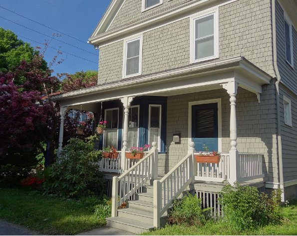 Welcoming you to Spindrift Cottage, on a quiet sidestreet in downtown Bar Harbor - Spacious Intown Home W/Large Office Area Too. Near Ocean - Hulls Cove - rentals