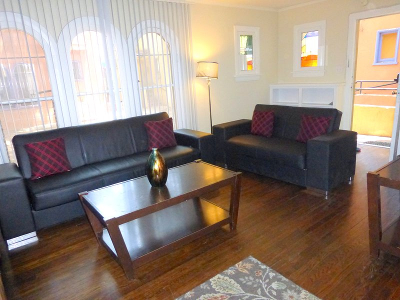 Chaplin's Hollywood Townhome!!! - Image 1 - Los Angeles - rentals