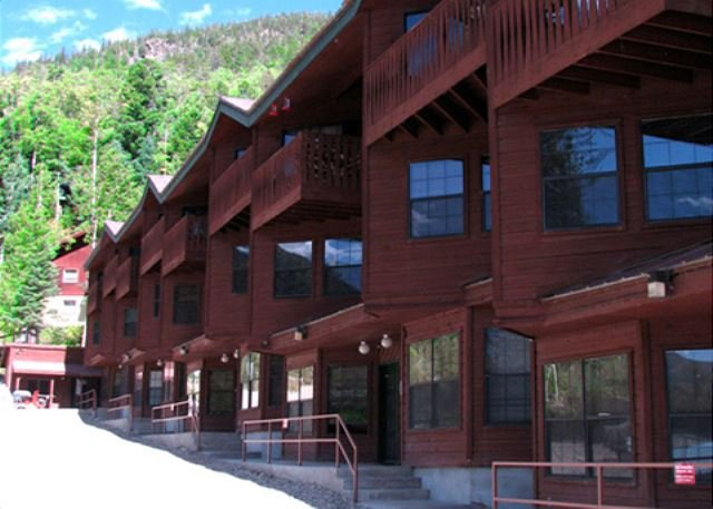 Summer at Twining 5 in Taos Ski Valley is the coolest spot in New Mexico for summer weather, easy walk to lifts, village & shops  - Twining 5  Walk to Lift (3-5 Minutes) Fireplace, Balcony Deck Mountain View - Taos Ski Valley - rentals