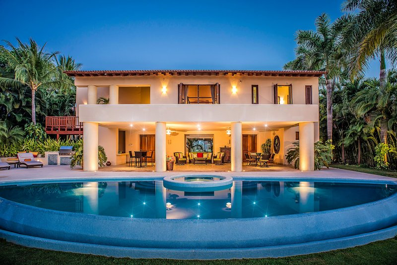 Casa Paraiso, Sleeps 12 - Image 1 - Punta de Mita - rentals