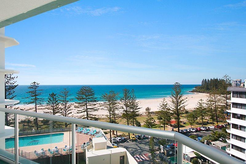 Ocean Plaza Unit 835 - Image 1 - Coolangatta - rentals