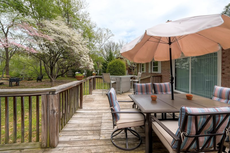 Welcome to Watauga River Getaway! - Watauga River Getaway- 4BR Elizabethton Home w/Over 300ft of Private River Frontage On Certified Trout River - Near Bristol Nascar Speedway-Minutes From Watauga Lake - Elizabethton - rentals