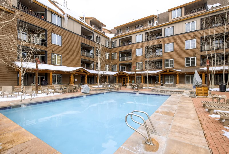 Enjoy access to year-round heated pool at this lovely Keystone vacation rental condo - 2BR Keystone Condo w/Beautiful Mountain Views - Great Family Friendly Location in River Run Village - Keystone - rentals