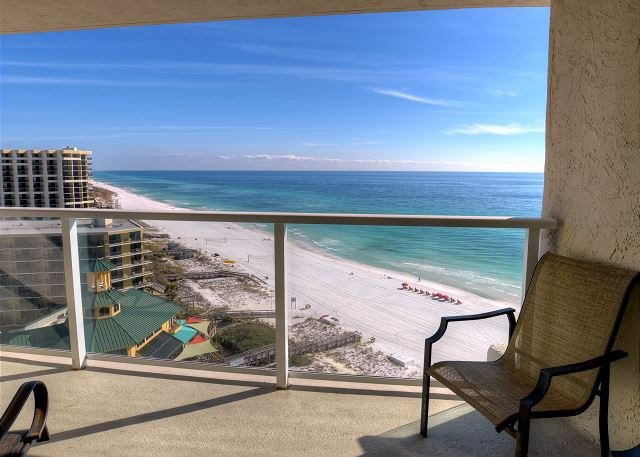 Relax at 'Majestic Mornings' this Summer!  Shuttle Included! Book Now! - Image 1 - Sandestin - rentals