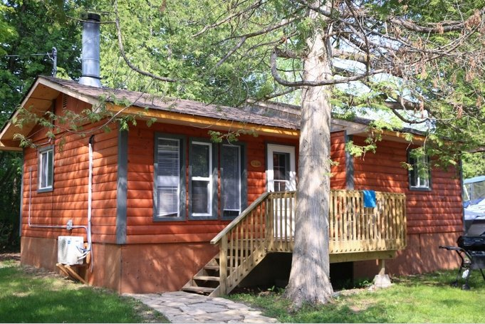 FALCON - BEAUTIFUL 2BEDROOM COTTAGE ON PIGEON LAKE - Image 1 - Bobcaygeon - rentals