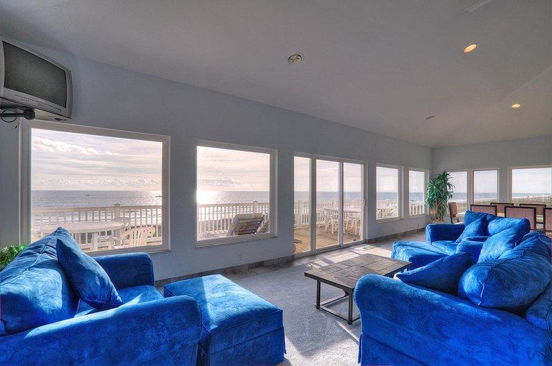 The Villa Loft..oceanfront 2 bedroom/2 bath house - Image 1 - Carolina Beach - rentals