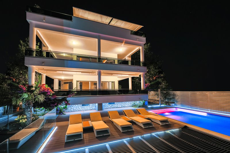 Villa GG / Exclusive holiday experience near Split - Image 1 - Split - rentals