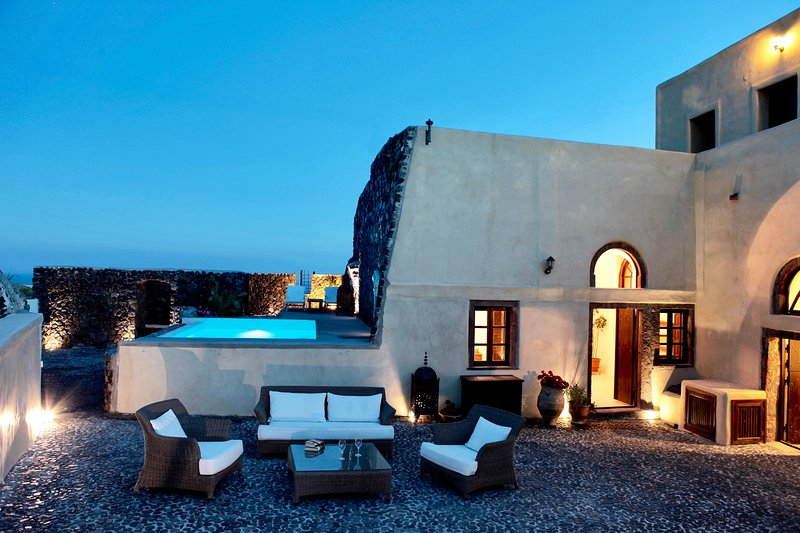 Mansion Kyani in Santorini- Car Rental & Private Transfer included - Image 1 - Megalochori - rentals
