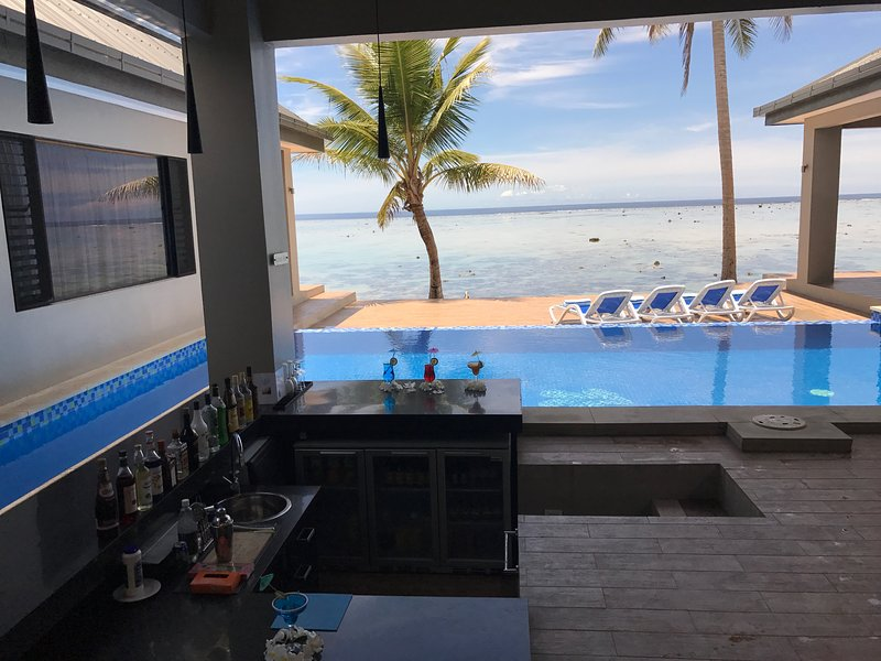 Splash bar is open at Out of the Blue Fiji for in house guests. - Out of the Blue Fiji - Spacious Beachfront home 20m's from the waters edge - Sigatoka - rentals