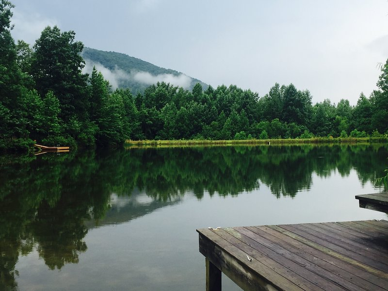 A misty day by the lake. - Cameron House Retreat-Mt.,Lake,Wine area Paradise - Helen - rentals