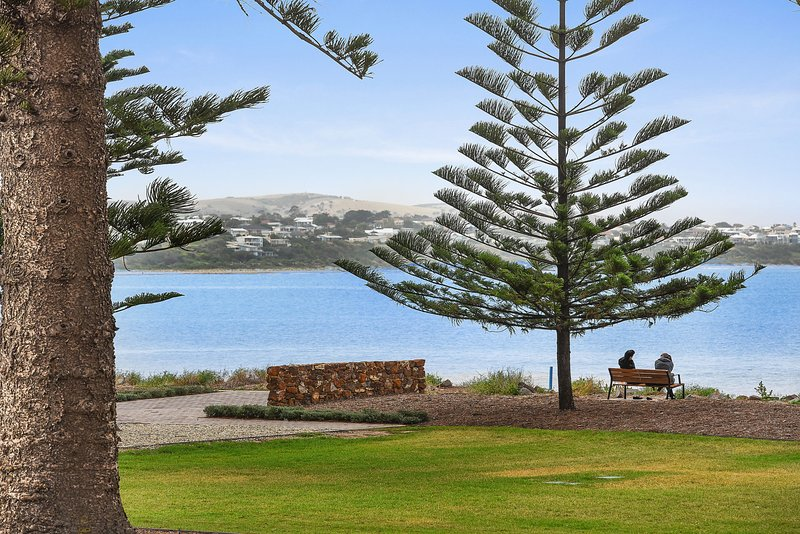 4 The Breeze - Sea Views Right in the Heart of Victor Harbor - Image 1 - Victor Harbor - rentals